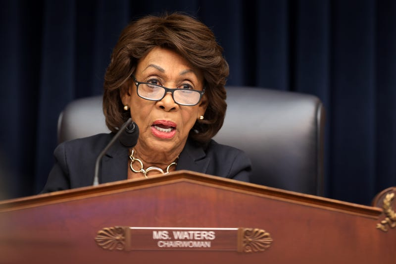 Illustration for article titled Auntie Maxine Bids Impeachment Efforts Adieu, Shifts Priority to 'Getting That Report'