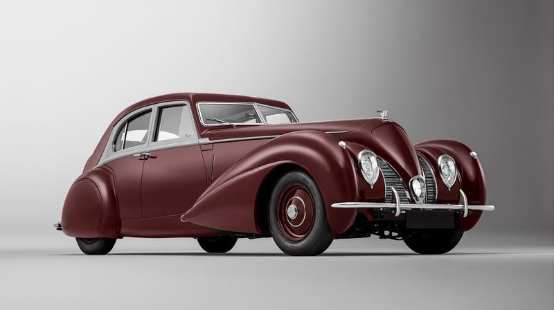 Illustration for article titled Bentley Rebuilt a 1939 Corniche Lost in World War II