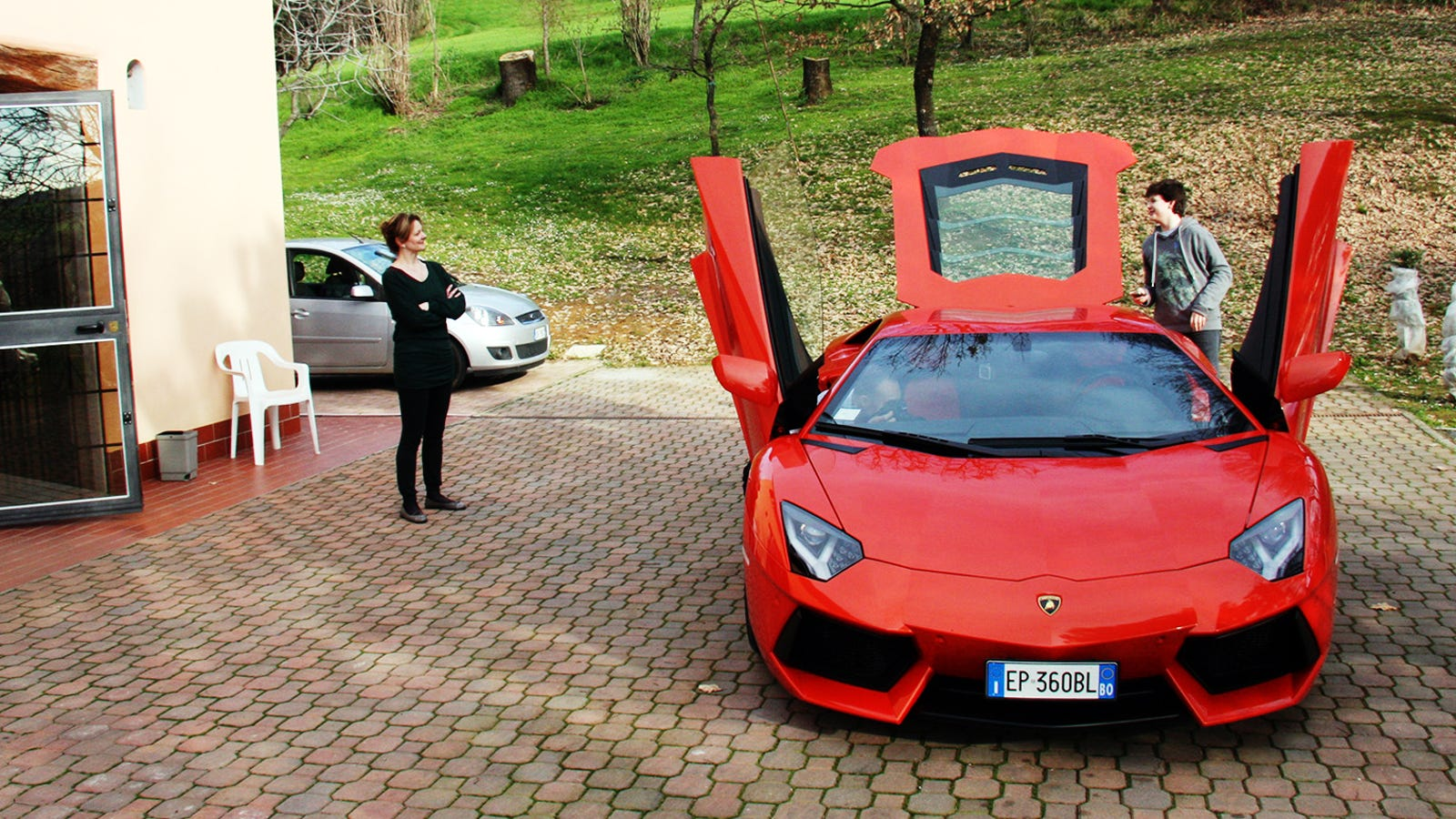 The Most Surreal Drive Of My Life Was In A Lamborghini