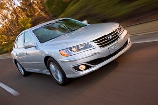 Illustration for article titled 2010 Hyundai Azera: The Not-As-Attractive Sonata Alternative