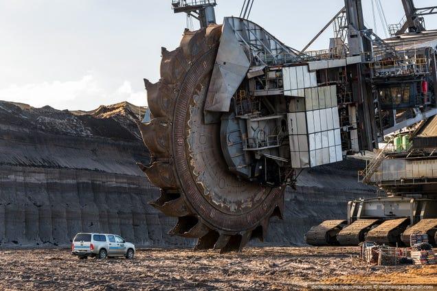 giant cat excavator - photo #31