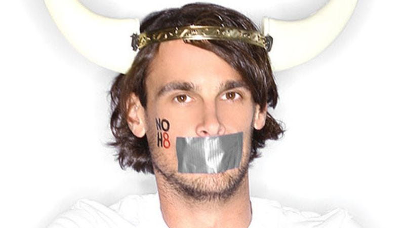 Illustration for article titled Chris Kluwe charms Nerdist for the second time with social activism