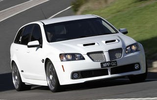 Illustration for article titled Walkinshaw Holden SS-V Superwagon: 603 HP Of Salt-Rubbing-In-Wound Pontiac Power