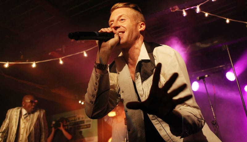 Illustration for article titled What the Hell Is Going On With Macklemore's Twitter History?