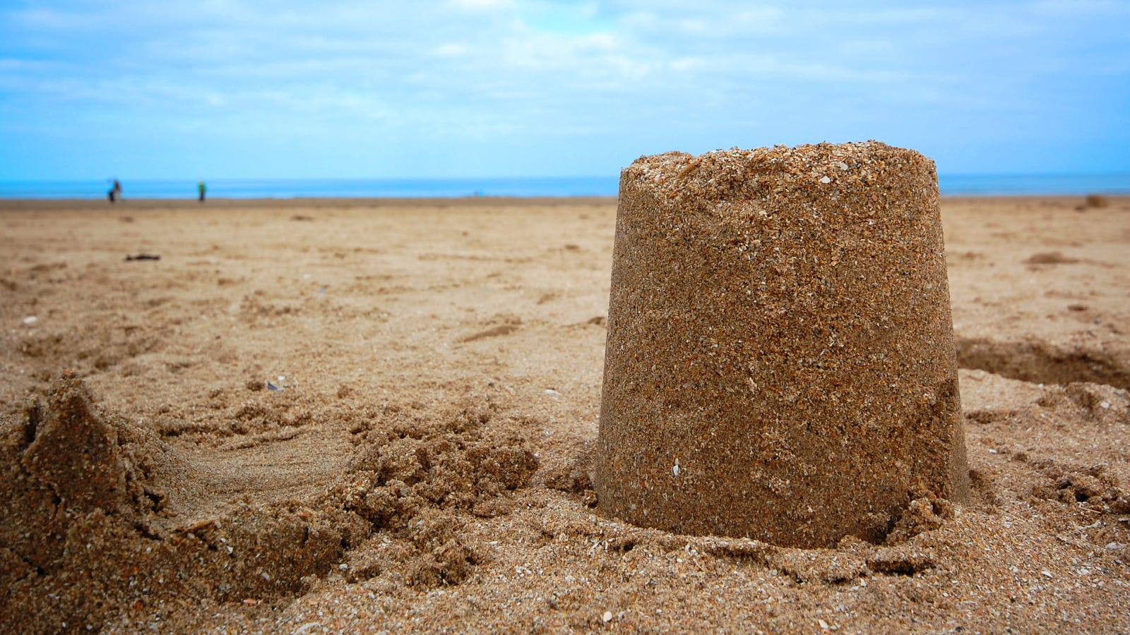 Building Sand Castles : The science of building perfect sandcastle
