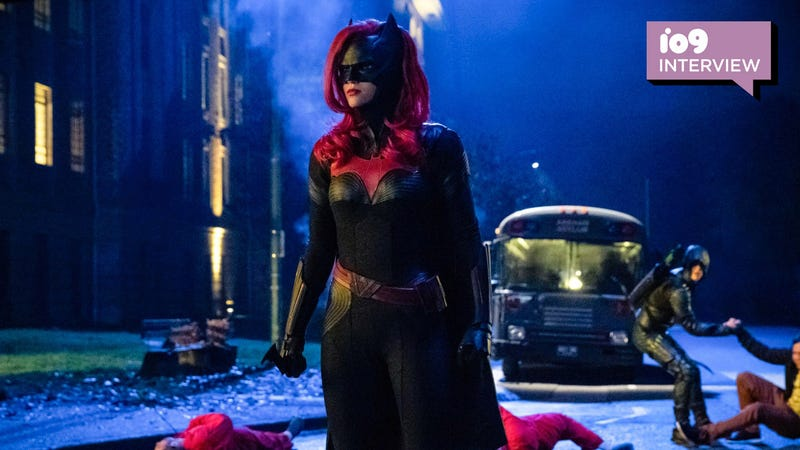 Batwoman (Ruby Rose) on the Elsewheres crossover episode of Arrow.