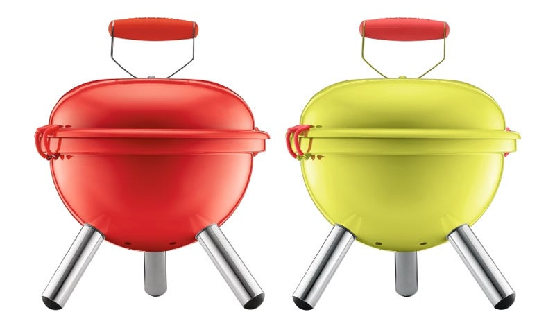 Illustration for article titled The Adorable Grill Is So Small You Can Carry It On Your Bike