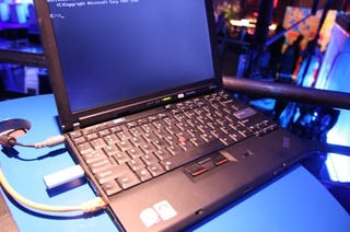 Illustration for article titled Hands On Lenovo X200: Tiny, Cheap, Means Business (But Forgot the Trackpad)