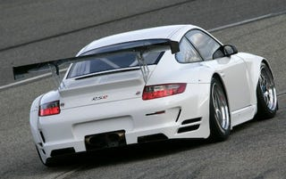Illustration for article titled Porsche 911 GT3 RSR, Most Powerful 911 Based Racecar, Updated for 2008