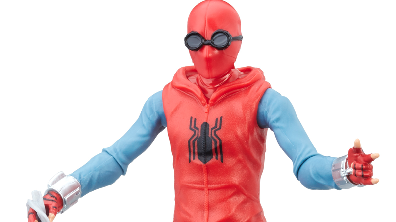 Illustration for article titled New Spider-Man: HomecomingToys Give Us Our Best Look Yet at Peter Parker's Crappy Homemade Suit