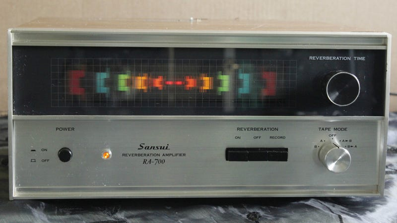 Illustration for article titled This Vintage Reverb Amp Lets You Wail Like It's 1982