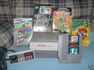 Illustration for article titled Mom Sells Old NES and 5 Games — for $13,105