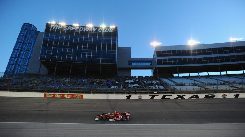 Illustration for article titled Texas Motor Speedway Might End IndyCar Contract If COTA Gets A Race
