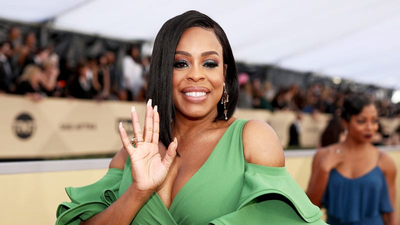 Illustration for article titled Claws' Niecy Nash May Get a Late-Night Talk Show