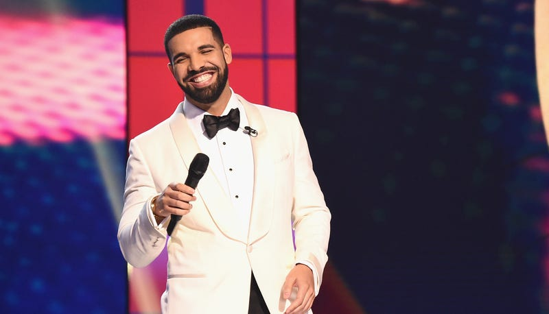 Drake stops Sydney show to call out fan's inappropriate touching