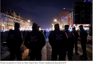 Illustration for article titled 1031 cars burnt in Paris for NYE
