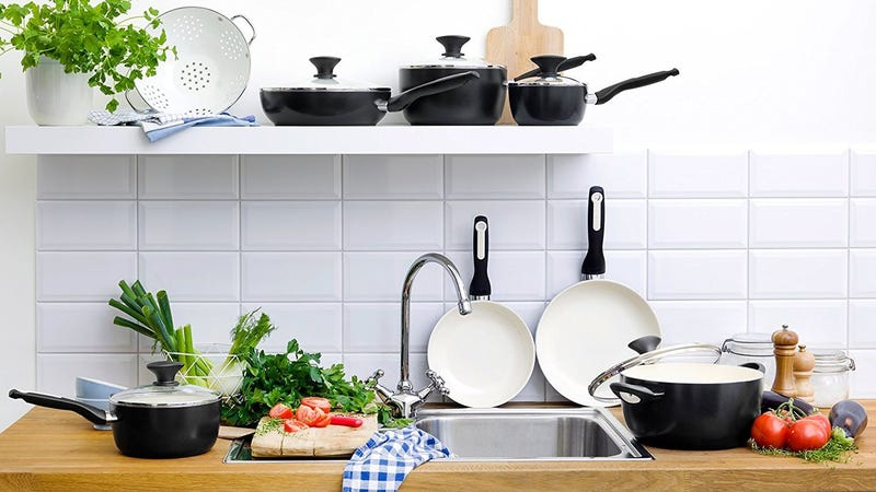 25% off Select GreenPan Cookware Gold Box
