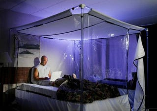 Illustration for article titled Soccer Stars Sleeping In Altitude Tents To Prep For World Cup