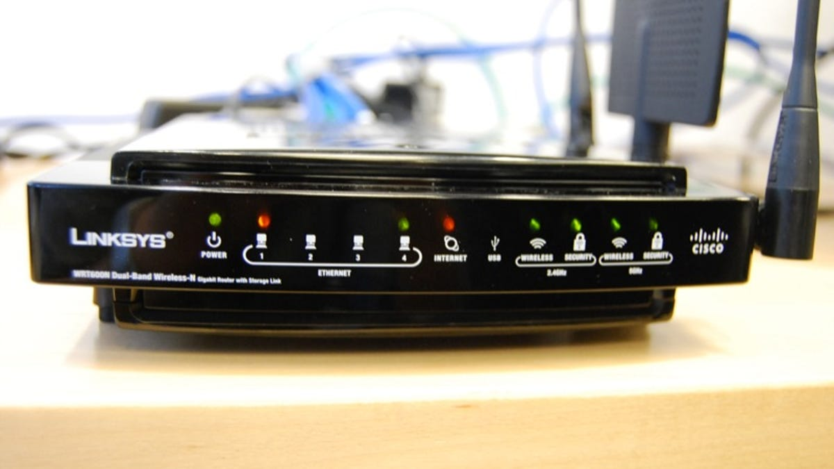 Hands On New Cisco Linksys Wireless-N Media Center Extenders
