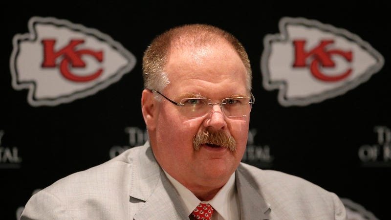 Illustration for article titled Andy Reid Made A Fat Joke About Himself, So Everyone Else Can Stop Now