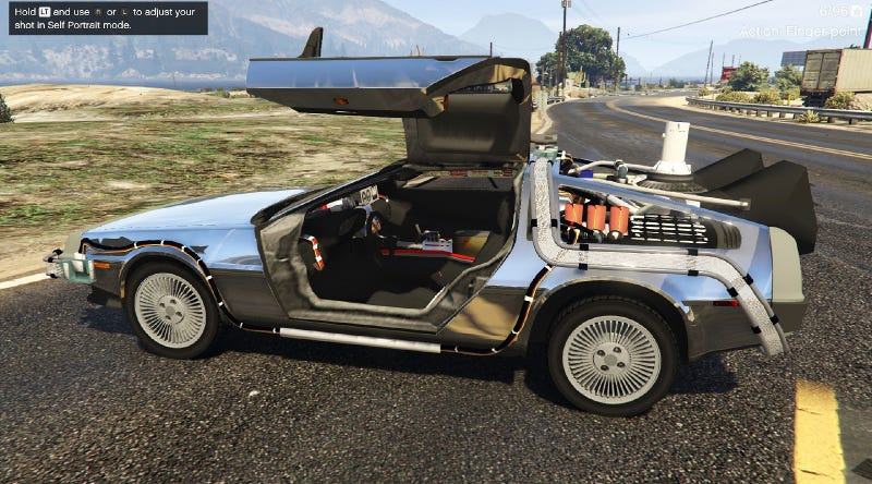 Illustration for article titled Grand Theft Auto V Delorean Travels Back In Time