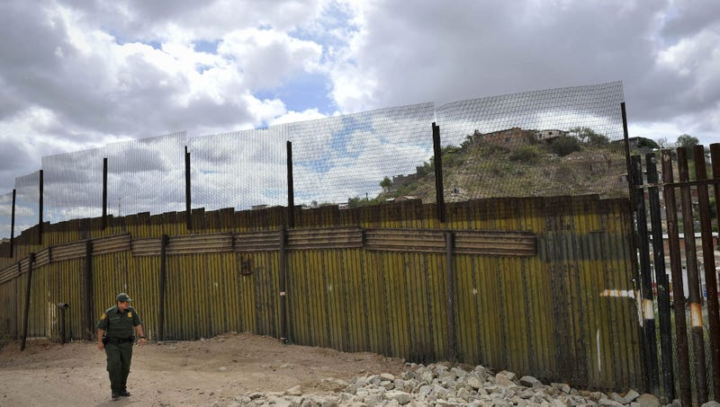Illustration for article titled The Onion's Tips For Securing The U.S.–Mexico Border