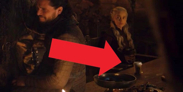Game of Thrones Accidentally Leaves Modern Coffee Cup on Table, Inspires New Meme