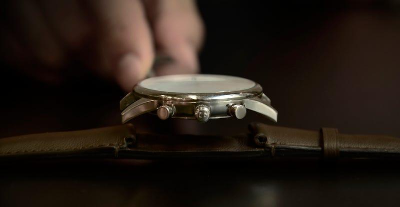 Illustration for article titled Classi, la correa que transforma tu reloj de siempre en un smartwatch