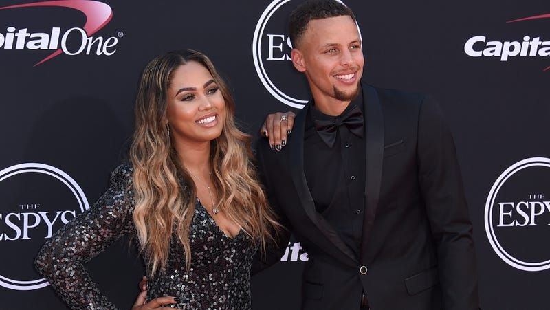 Illustration for article titled Ayesha Curry Recounts The Time A Fan Barged Into Her Car While She Was Breastfeeding