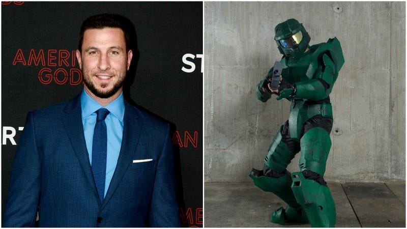 Illustration for article titled Interesting actor Pablo Schreiber to play boring hero Master Chief in Showtime's Halo show