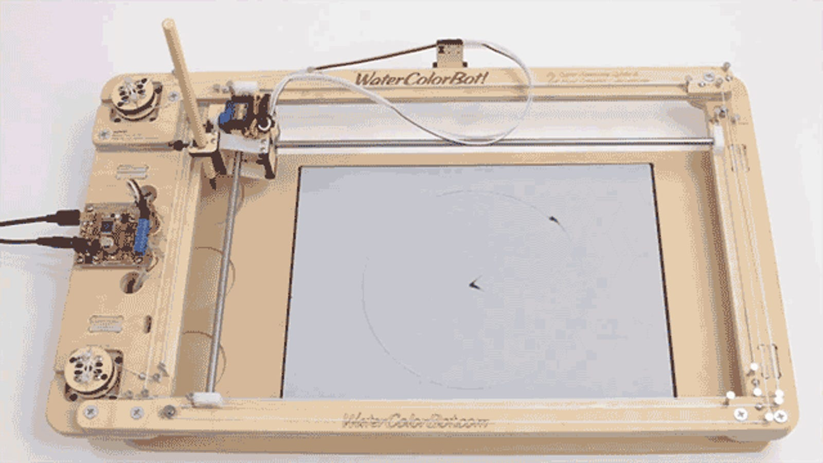 Watch Time Evaporate With a Clock That Paints the Hours In Water