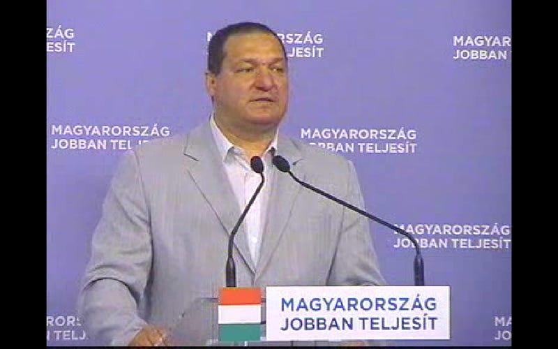 """Illustration for article titled """"Hiába, a piac, az piac!"""" Ilyen videókat miért tesz fel a Fidesz?"""