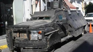 Illustration for article titled Mexican drug gangs lose second homebuilt tank