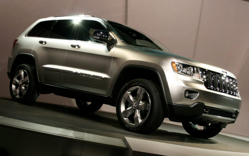 Illustration for article titled 2011 Jeep Grand Cherokee: Mercedes Chassis Meets Hemi Power