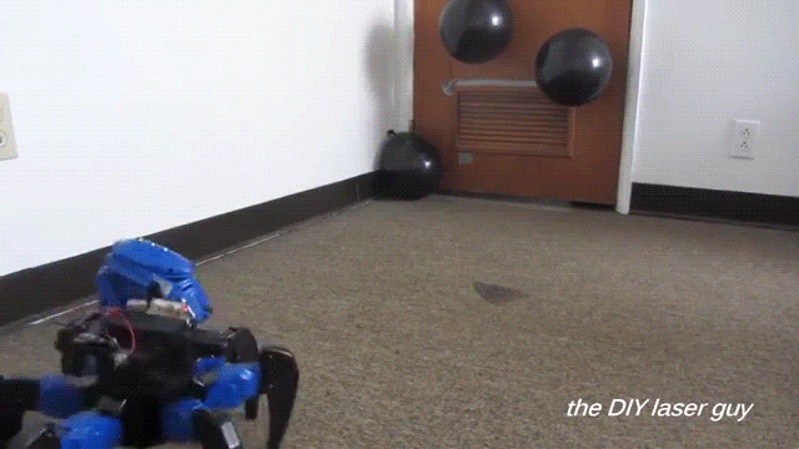El robot teledirigido casero más efectivo dispara con cañón láser