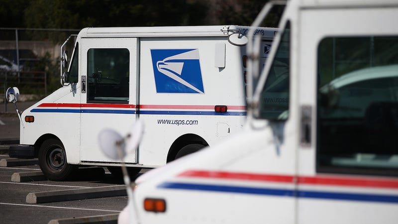 Illustration for article titled Postal Carrier Charged For Hoarding 10,000 Pieces Of Undelivered Mail In HisNissan Pathfinder