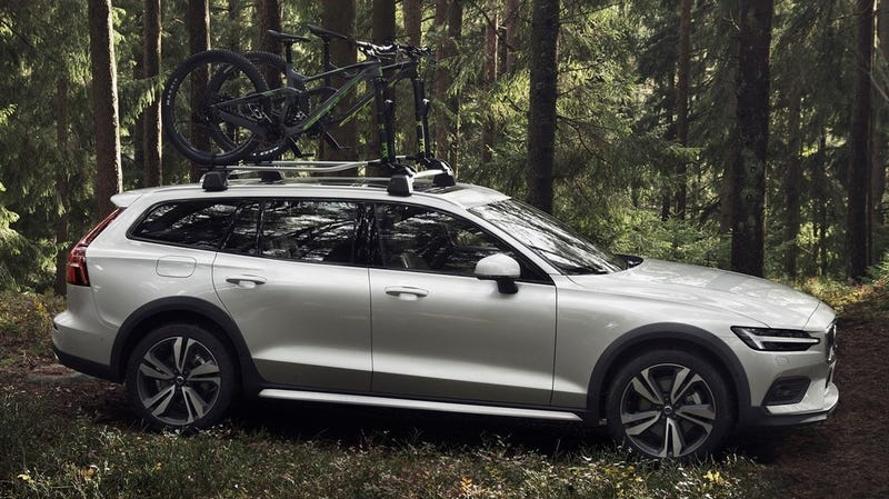 Illustration for article titled The New Volvo V60 Cross Country Is Here to Fulfill Your Off-Roading Dreams