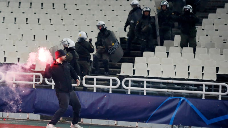 Illustration for article titled Bomb Explodes Near Ajax Fans Ahead Of UCL Match In Greece