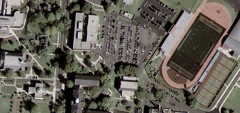 Illustration for article titled Google GeoEye-1 Satellite Takes First Pic (Is that Your House?)