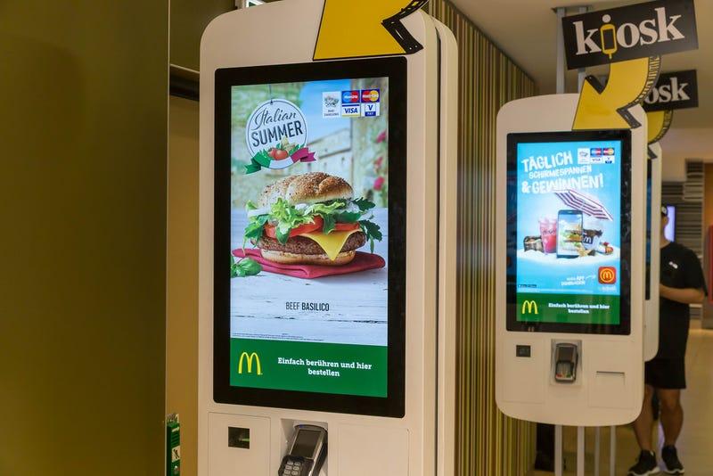Illustration for article titled Encuentran restos de heces humanas en todas las pantallas táctiles de McDonalds analizadas en Londres