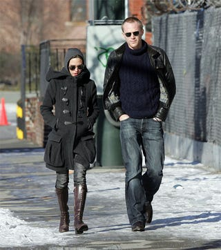 Illustration for article titled Jennifer Connelly & Paul Bettany: Hot & Cold