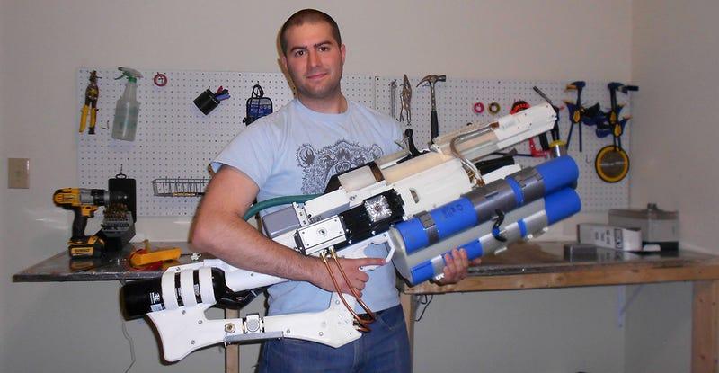 Illustration for article titled Crea un cañón de riel portátil con Arduino que dispara proyectiles a 900 Km/h