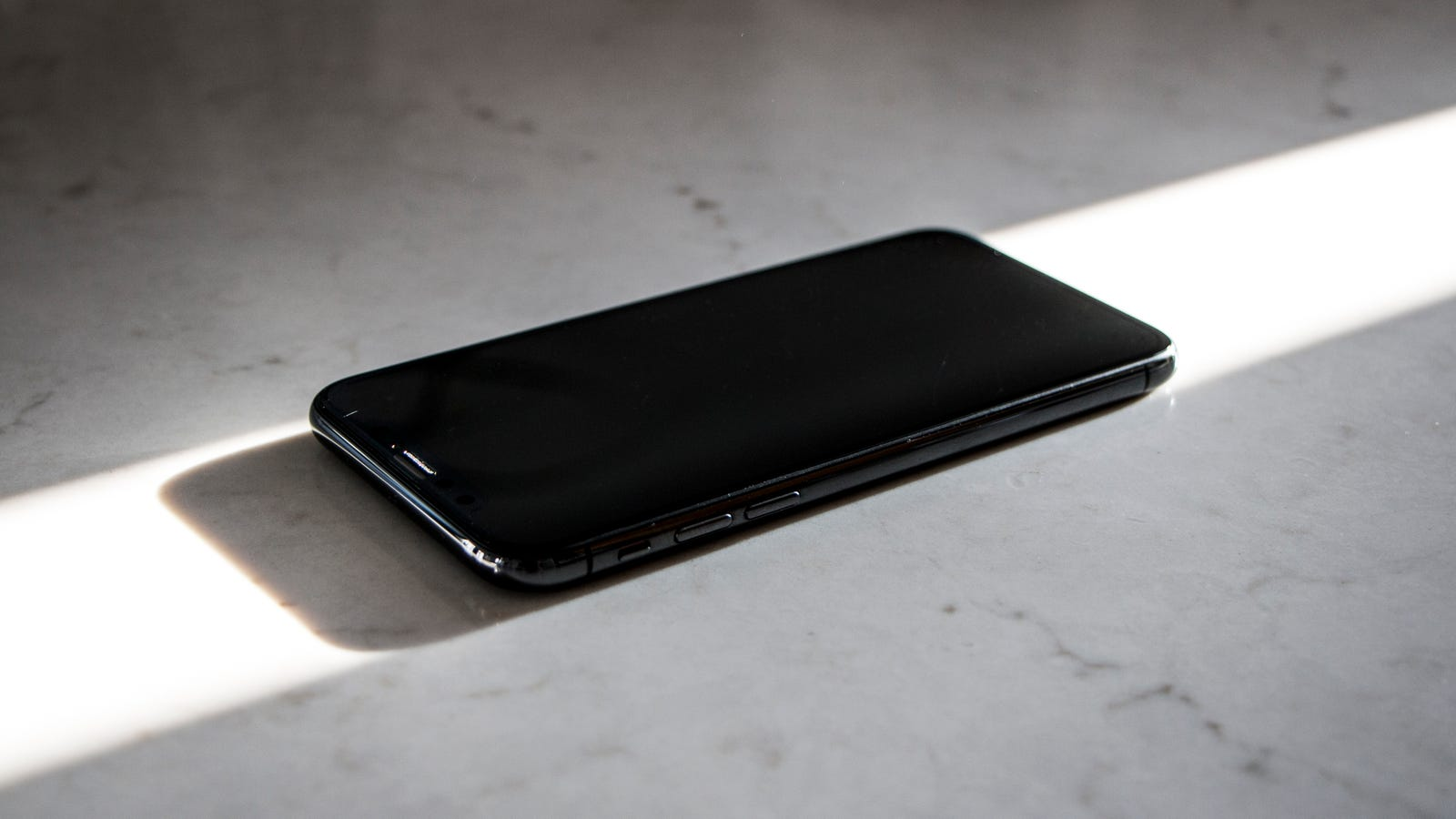 iphone report How to report a lost or stolen smart device has someone stolen your tablet contact your service provider using the following information if you are missing your mobile phone or other wireless device:.