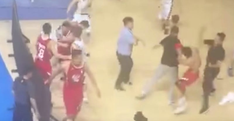 Illustration for article titled Chinese Basketball Playoff Game Cut Short By Massive Brawl