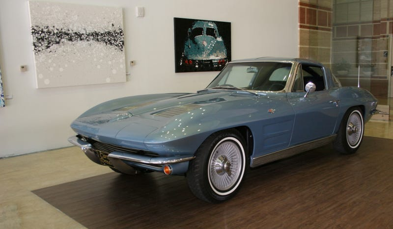 Illustration for article titled If You Buy This Corvette Artwork You Also Get A Free Corvette