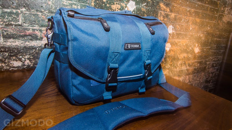 The Best Bag to Carry Your Mirrorless Camera