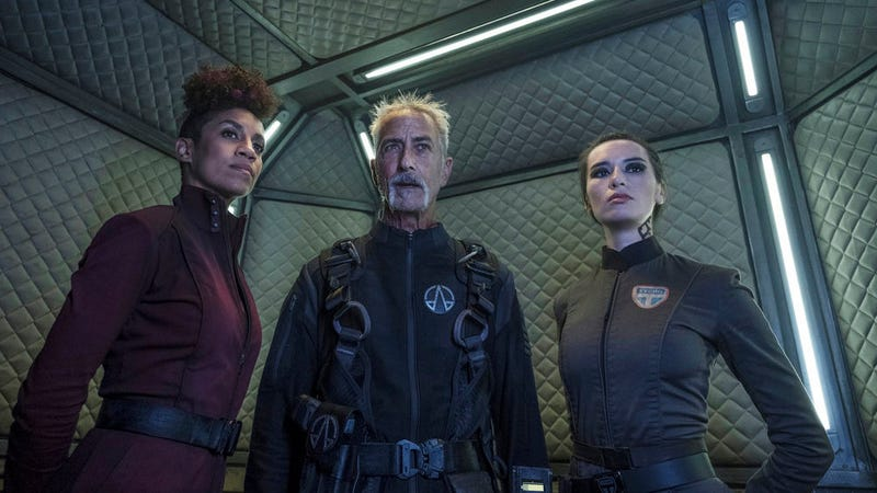 Naomi (Dominique Tipper), Ashford (David Strathairn), and Drummer (Cara Gee) aboard the OPA's new (but familiar) flagship, the Behemoth.