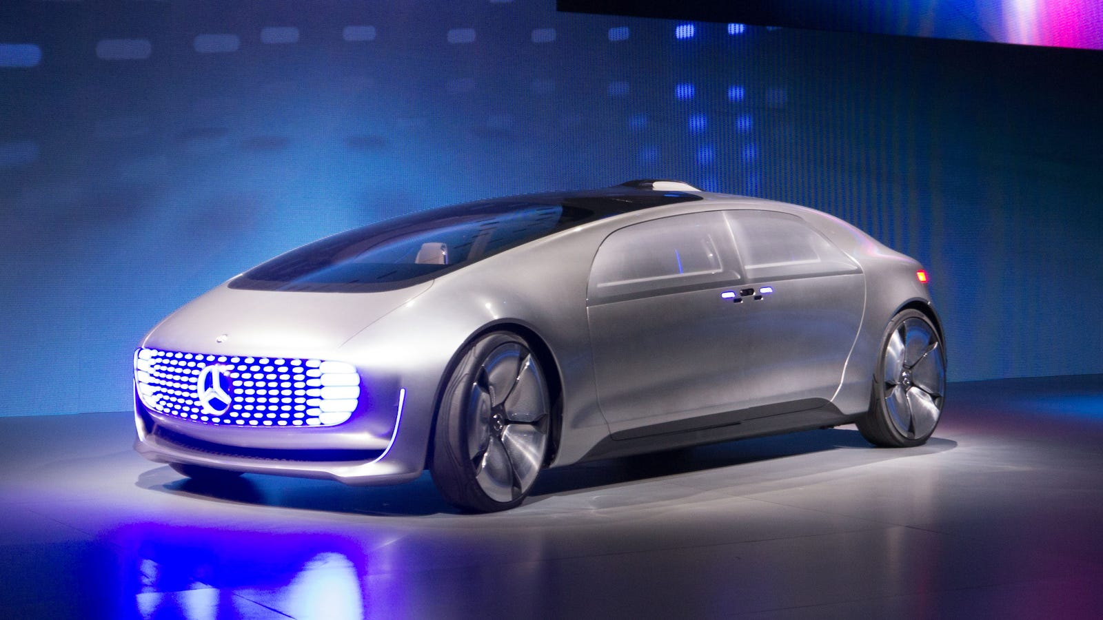 Mercedes F 015 >> The New Mercedes Self-Driving Car Concept Is Packed Full ...
