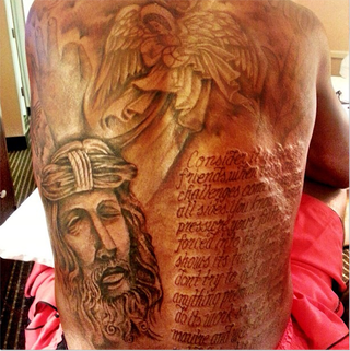 Illustration for article titled Kevin Durant's Back Tattoo Has A Misspelled Word In It