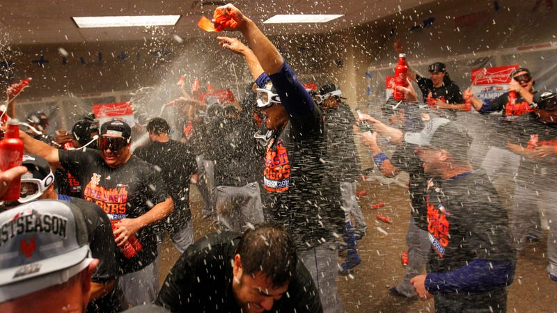 Illustration for article titled Watch The Mets Celebrate Clinching Through The Camera On Michael Conforto's Head